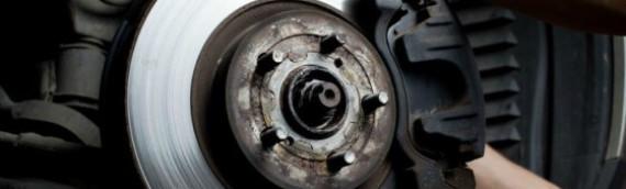 Oficina: Pastilhas e discos de freio são novos  e estão com ruído, o que fazer?